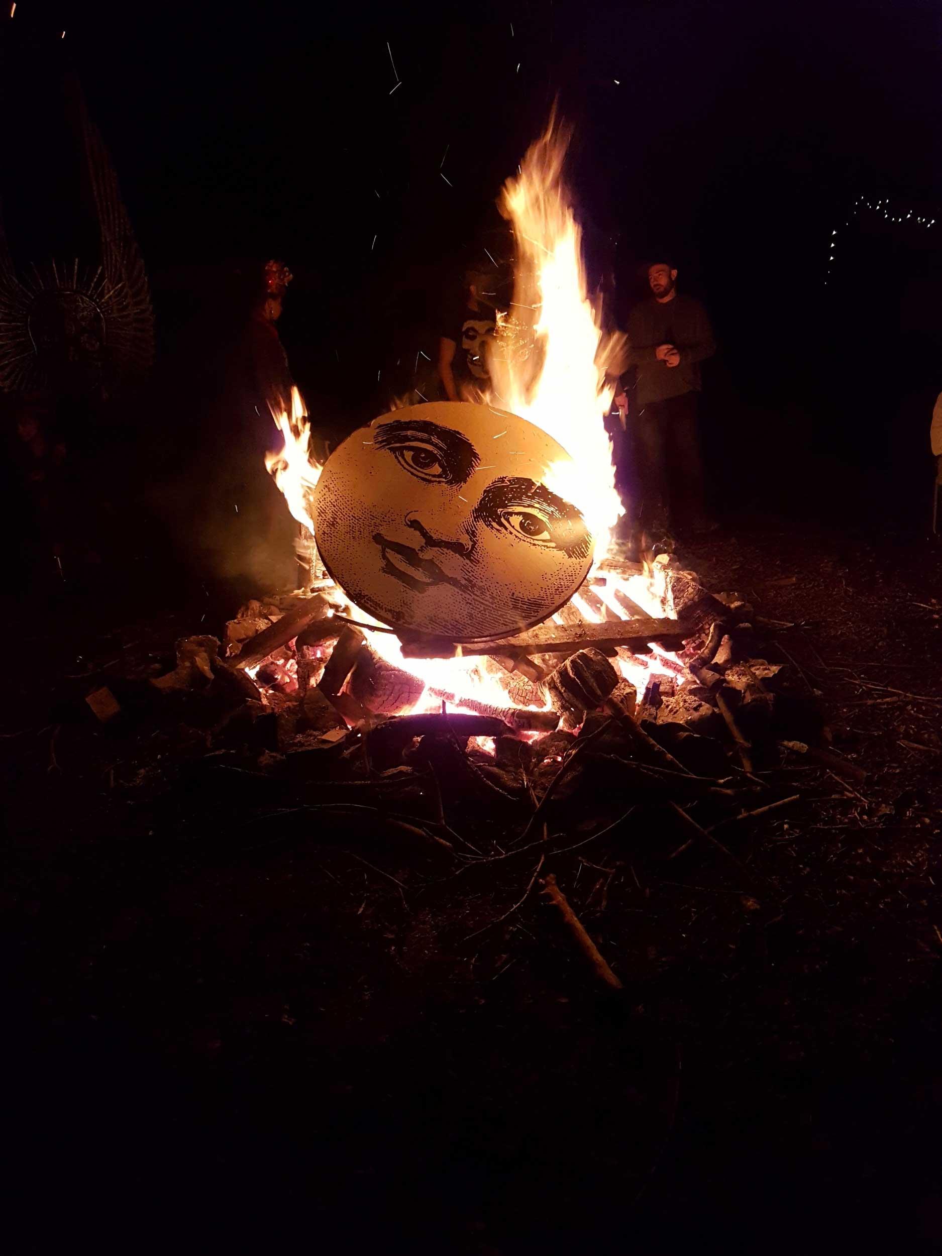 woolywoody-farm-fest-2017-moon-on-fire-rachel-kiernan-sculpture-painting-burning-moon